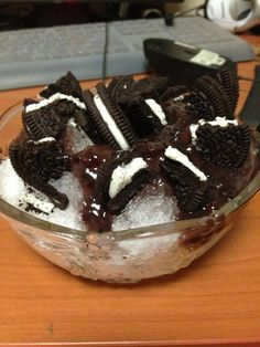 Try the delicious Oreo Patbingsu Patbingsu, Red Beans, Sugar Rush, Oreo Cookies, Nom Nom, Ice Cream, Treats, Sweet, Recipes