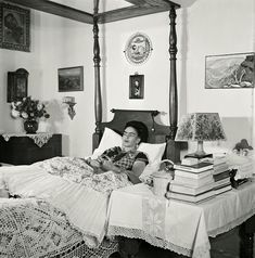 Rare and Loving Photos of Frida Kahlo From the Last Years of Her Life in Mexico City ~ vintage everyday Photography Essentials, City Photography, Diego Rivera, Famous Self Portraits, Holidays To Mexico, Feminist Icons, Black And White City, Mexican Artists, French Photographers