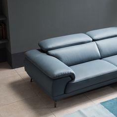 Görüntünün olası içeriği: oturan insanlar ve iç mekan Sofa Furniture, Sofa Chair, Sofa Set, Couch, Art Deco Living Room, Living Room Designs, Sofas For Small Spaces, Chair Design, Home Interior Design