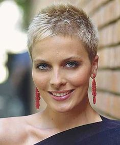 very short pixie hairstyles for women over 60