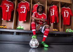 """""""Comecei a jogar na rua, mas aprendi no Benfica"""""""