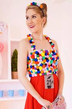 These easy Halloween costumes will help you look amazing in an affordable and innovative costume this year. Emoji Halloween Costume, Diy Halloween Costumes For Girls, Minnie Costume, Purim Costumes, Girl Costumes, Pac Man Costume, Emoji Costume, Kid Halloween, Halloween Festival