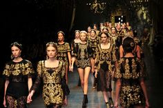 #Dolce&Gabbana #fashionshow #queens