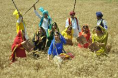 Having a Gala Time at the Baisakhi Festival Celebration in Patiala Festivals Of India, Indian Festivals, Punjab Festivals, Baisakhi Images, Baisakhi Festival, Happy Baisakhi, Gala Time, Happy Morning Quotes, Temple India