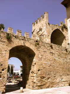 Murallas de Alcudia #turismo #mallorca