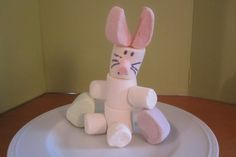 Easter bunny centerpiece made from candy  http://www.thinkplaytoday.com/easy-marshmallow-easter-bunny-craft-for-kids/#