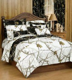 Delectably-Yours.com Realtree® AP Snow / AP Black Camo Bedding Comforter Set & Sheets