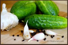 Learn to pickle cucumbers the simple way so you can make the best dill refrigerator pickles you've ever had. I promise they'll be a big hit with everyone! Refrigerator Pickles, Cucumber Recipes, Detox Recipes, Homemade Pickles, Pickles Recipe, Pickling Cucumbers, Food Dye, Distilled White Vinegar, Bon Appetit