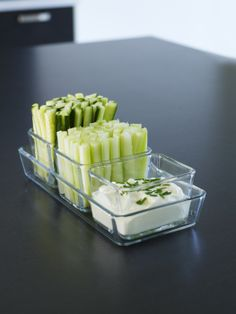 Serve your party snacks in style with a MIXTUR serving dish.