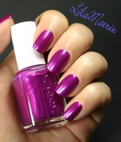 "Essie – Jamaica Me Crazy (Dive Bar Collection)   2 coats without topcoat – artificial lighting      ""Jamaica Me Crazy"" ist ein weiterer L..."