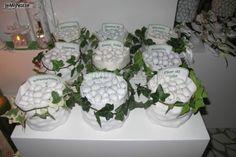 http://www.lemienozze.it/operatori-matrimonio/bomboniere/confetti-bomboniere-matrimonio-milano/media/foto/22?play=1 Confetti assortiti da scegliere per le bomboniere matrimonio
