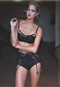 ad0b00ad21 Lascivious Laura big knickers featured in Kurv mag Gorgeous Lingerie
