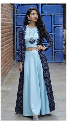 Indian Fashion Dresses, Indian Gowns Dresses, Dress Indian Style, Girls Fashion Clothes, Indian Designer Outfits, Indian Outfits, Flapper Dresses, Designer Party Wear Dresses, Kurti Designs Party Wear