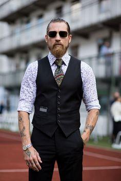 Claramente una imagen, una barba, un corte de pelo envía un mensaje directo al subconsciente de los demás, y conviene saber que mensaje enviamos y el efecto que causamos.