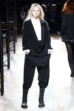 So beautiful in so many ways.  Yohji Yamamoto 2010 F/W Womenswear