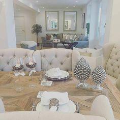 Vakkert hos #Repost @interior_juliana   Good morning to all my lovely followers #Louisvingestol og #dubaispisebord fra @classicliving  #interiordesign#inspiration#inspo#bedroom#interior4all#interior123#interior125#shabbyyhomes#interior9508#vakrehjem#skandinaviskehjem#homeanddecor#view#myhome#home#design#