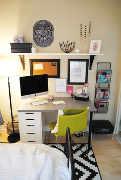 Cute idea for an office space in my apartment! Lauren Elizabeth: Apartment Style: Bedroom #homeoffice #studyplace #studyhard