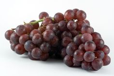 Grapes are dangerous! Check out why! #MuellerPetMedicalCenter #MPMC #Dogs