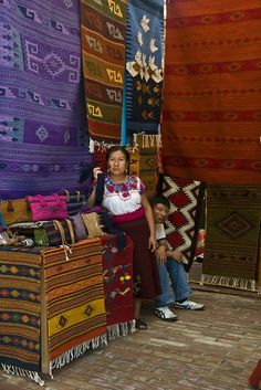 tapetes para vender a la Feria del Tapete en Teotitlan del Valle, Oaxaca.