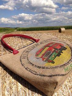 Sac en toile de jute de café Sacs Tote Bags, Reusable Tote Bags, Zardosi Embroidery, Burlap Tote, Tarpaulin, Jute Bags, Couture, Honduras, Handmade Bags
