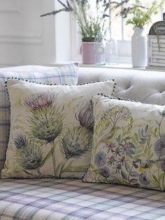 Flora and Fauna Cushions Cudowne osty w sklepie www.homesweethome.pl