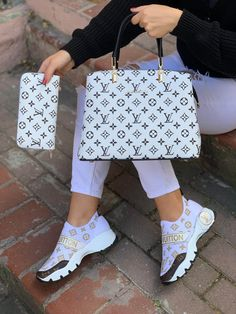 Louis Vuitton Shoes, Vuitton Bag, Louis Vuitton Handbags, Lv Shoes, Dior Shoes, Ny Dress, Lv Sneakers, Comfortable Sneakers, Designer Shoes