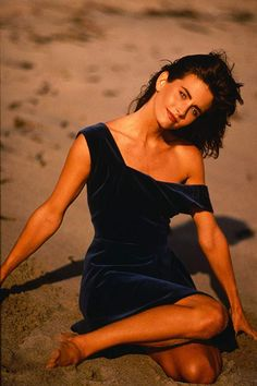 Share, rate and discuss pictures of Courteney Cox's feet on wikiFeet - the most comprehensive celebrity feet database to ever have existed. Friends Tv Show, Friends Cast, Friends Moments, Celebrity Feet, Celebrity Crush, Courtney Cox Arquette, Elle Fanning, Photos Du, American Actress