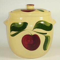 Watt Pottery Apple #503 @ watt-pottery.com