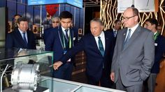 Назарбаев посетил павильон Княжества Монако совместно с Князем Альбером II