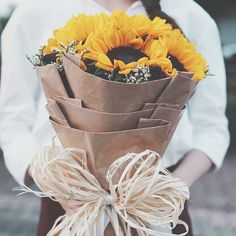 Happy Sunflower Day Flower Boxes, My Flower, Pocket Full Of Sunshine, Sunflower Pictures, Sunflower Wallpaper, Flower Shower, Simple Gifts, Lily Of The Valley, Daffodils