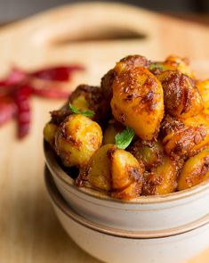 Easy Jeera Aloo Recipe which could be easily made at home at any time of the day. This dish is simple, yet flavorful, classic and tastes fabulous. Easy Veg Recipes, Paneer Recipes, Side Recipes, Indian Food Recipes, Easy Meals, Ethnic Recipes, Yummy Recipes, Asian Vegetables, Yummy Veggie