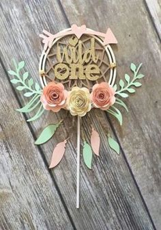 Dream Catcher Cake Topper, One Year Old Cake Topper, Dream Catcher Baby Shower, Woodland Party Decor 1st Birthday Party For Girls, Baby First Birthday, First Birthday Themes, 31 Birthday Ideas, Bohemian Birthday Party, One Year Birthday, Frozen Birthday, Woodland Party, Dream Catcher Cake