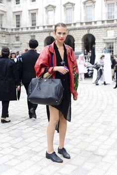 http://isnapumagazine.wordpress.com/2012/10/03/london-fashion-week-ss13-love-her-jacket/