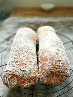 Das beste Ciabatta Rezept - Hannas Töchter - posted by www. Bread Recipes, Baking Recipes, Cake Recipes, German Bread, Cooking Photography, Bread Cake, Bread Rolls, Pampered Chef, Bread Baking