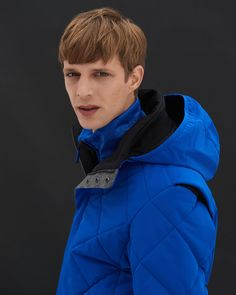 Thanks to its elastic, ultra-thin membrane, the new material not only gives our … Winter Day, Winter Looks, Cold Day, The Outsiders, Raincoat, Sneaker, Stylists, Celebrities, Ps