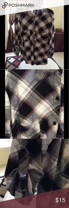 3/4 Sleeves Super Soft Plaid Top Black/light red/white/grey Plaid top, super soft material with a Polyester/Spandex blend.  3/4 sleeves that can be worn with a strap/button or down. Size 3X, I bought this to wear oversized over other tops, but never did Tops Button Down Shirts