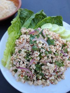 Larb Gai- Thai Spicy Chicken Salad, perfect for a hot day. Quick and easy to prepare with less than 10 ingredients.Larb Gai- Thai Spicy Chicken Salad, perfect for a hot day. Quick and easy to prepare with less than 10 ingredients. Thai Recipes, Asian Recipes, Chicken Recipes, Cooking Recipes, Healthy Recipes, Healthy Breakfasts, Healthy Snacks, Larb Gai, Larb Recipe