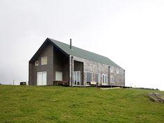 Imagen 1 de 41 de la galería de Viviendas en Frutillar / DELSANTE. Fotografía de Ari van Zeeland L.