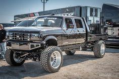 The Highs and Lows of 2019 Lone Star Throwdown Big Ford Trucks, Custom Pickup Trucks, Chevy Diesel Trucks, Ford Diesel, Classic Ford Trucks, Gm Trucks, Custom Truck Flatbeds, Lowered Trucks, Dually Trucks