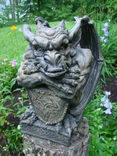 Mondus Distinction - Canada's Home and Garden Decor - Venerous Gargoyle