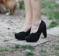 Yep, back in blogs one week early.  I love these shoes!