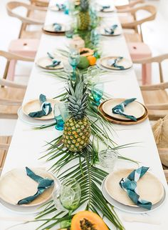 Papaya & Palm Leaves Tropical Baby Shower – Inspired By This Papaya & Palm verlässt tropische Babyparty – inspiriert von diesem Pineapple Centerpiece, Tropical Centerpieces, Pineapple Party Decor, Tropical Napkins, Shower Party, Bridal Shower, Luau Party, Deco Table, Party Themes