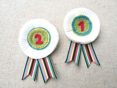 DIY Prize Medal Ribbon Brooch via Heartmade Blog