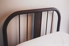 How-to Build a Frame for an Antique Metal Bed and Seal in a Rusty Patina Cast Iron Bed Frame, Cast Iron Beds, Antique Iron Beds, Antique Metal, Vintage Bed Frame, Bedroom Vintage, Bedding Master Bedroom, Grey Bedding, Luxury Bedding