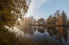 Syksy - Mikko Lönnberg Photography. Home by the lake in Finland in autumn.