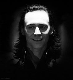 gif tom hiddleston The Avengers loki avengers deleted scene i just like making things big plus tom does the best evil faces
