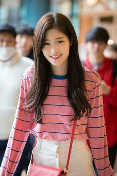 DIA Chaeyeon Kpop Fashion, Korean Fashion, South Korean Girls, Korean Girl Groups, Jung Chaeyeon, Pretty Females, Kdrama Actors, Cute Asian Girls, Ulzzang Girl