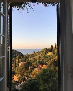 Top 10 Most Romantic Destinations in Europe - The Barefoot Explorer - - Nature Aesthetic, Travel Aesthetic, Summer Aesthetic, Aesthetic Photo, Aesthetic Pictures, Places To Travel, Places To Visit, Travel Destinations, Romantic Destinations