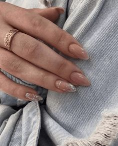 This article gathers the most popular almond nails in the near future, including different patterns, colors and fresh ideas from the manicure. In this article, you can find the nails that you will need for your. The elegant and lovely almond nails Aycrlic Nails, Nude Nails, Pink Nails, Hair And Nails, Coffin Nails, Glitter Nails, Nail Glitter Design, Opal Nails, Neutral Nails