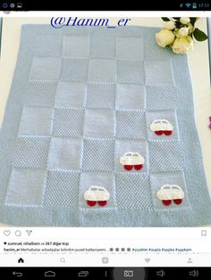Best 11 Looks like checkerboard pattern with alternating blocks of stockinette and reverse stockinette – SkillOfKing. Easy Crochet Blanket, Knitted Baby Blankets, Knitting Projects, Knitting Patterns, Tricot Baby, Baby Layette, Crochet Bebe, Baby Patterns, Kids And Parenting